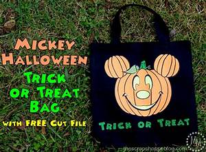 Mickey Halloween Trick or Treat Bag {with FREE Cut File