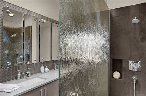 interior design bathrooms how to use glass to a splash and enhance your décor
