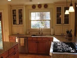 how to install kitchen cabinet 21 best kitchen images on cabinets 7261