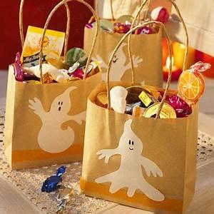 Halloween Basteln Gruselig : die besten 25 halloween deko ideen ideen auf pinterest selbstgemachte halloween dekorationen ~ Whattoseeinmadrid.com Haus und Dekorationen