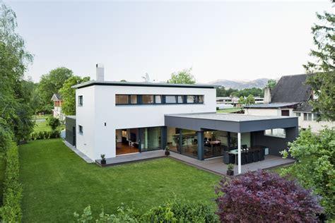 Moderne Häuser L Form by Wohnhaus Feldkirch L Form Moderne Architektur M 246 Bel