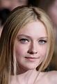 """Dakota Fanning Photos Photos - """"The Twilight Saga: New ..."""