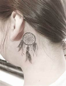 40+ Amazing Behind The Ear Tattoos For Women - TattooBlend
