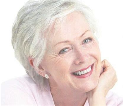28 Best Short Hairstyles For Women Over 50