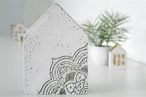Beton Gießen Basteln : beton giessen mit mustern handmade kultur ~ Indierocktalk.com Haus und Dekorationen