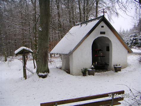 wandern zu den kapellen decke toennes und michelsberg