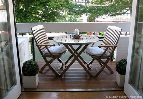 Kleinen Balkon Einrichten by Einen Kleinen Balkon Gestalten Tipps Und Tricks Zum