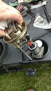 Changing The Fuel Pump    Fuel Sending Unit 445    455