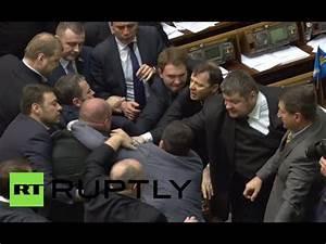 Rada brawl video: Fist fight erupts in Ukrainian ...