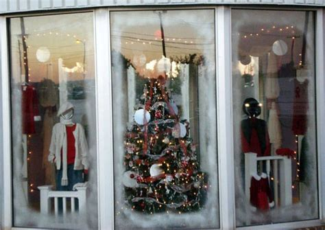 christmas shop window ideas 846 best store window display ideas images on pinterest glass display cabinets shop windows