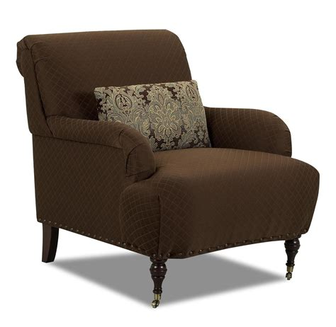 traditional accent chair with arms and turned legs
