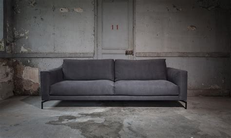 canap 233 s design et contemporain triss de fabrication haut de gamme en cuir ou en tissu 224