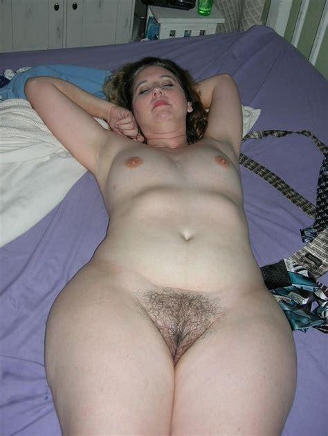 amateur milf wide hips