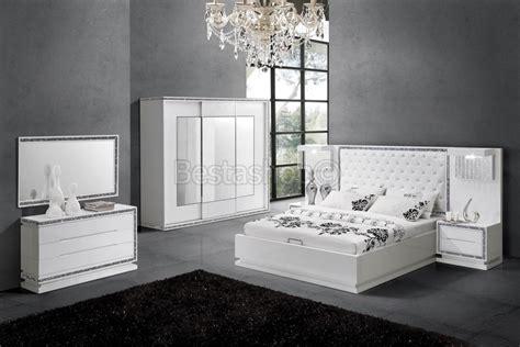 chambre strass but chambre à coucher complète design blanc laqué strasse starline