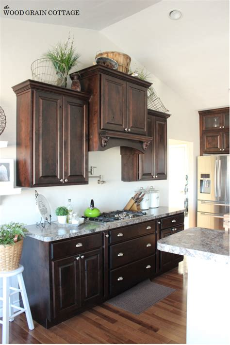 baskets on top of kitchen cabinets wire baskets the wood grain cottage 9078