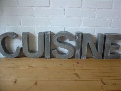lettre cuisine en bois lettres décoratives métal et bois