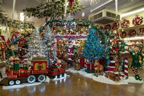 The Biggest And Best Christmas Store In Texas Country Chic Living Room Designs Best Paint Colors For Rooms 2017 Contemporary Drapes Ideas A Long Wall Modern Armchairs Pictures Of Nice Brown Furniture Decorating Lamps Home Depot