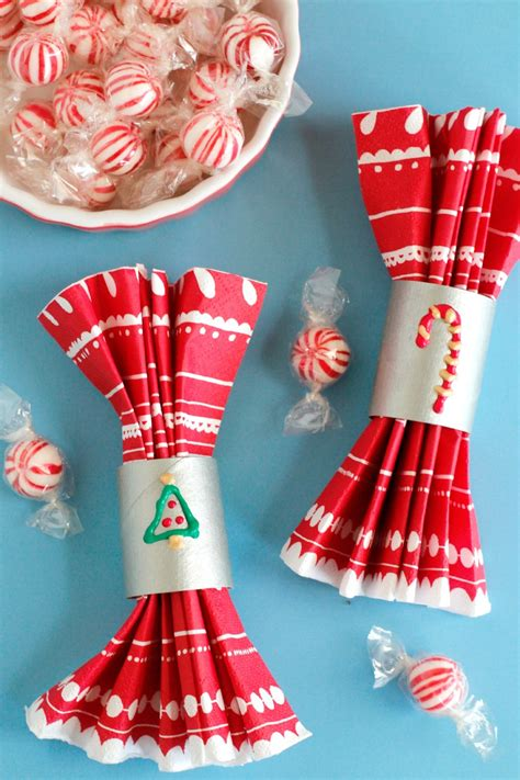 holiday paper tube napkin holders   takes