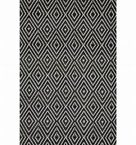 Teppich Schwarz Weiß Gestreift : teppich designs f r den au enbereich die man ins haus bringen kann ~ Indierocktalk.com Haus und Dekorationen