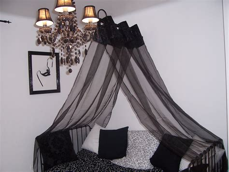 chambre baroque noir et blanc pin chambre baroque noir et blanc maison designs de
