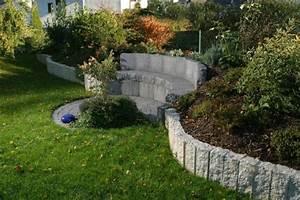 palissade granit 20 idees pour integrer la pierre dans le With jardin en pente que faire 12 amenagements exterieurs services de construction