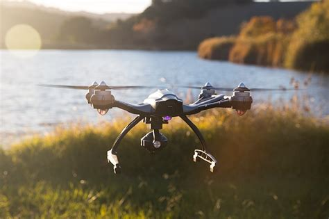 yuneec  typhoon  drone review camera steady grip