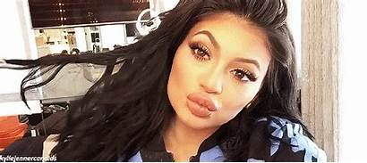 Kylie Jenner Hate Successful Because Negative Space