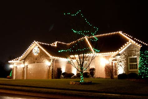 7 reasons you need creative outdoor lighting to install