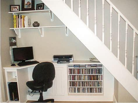 bureau sous escalier bureau sous escalier am nager un bureau sous l escalier