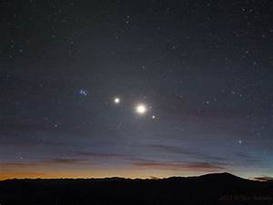 A Morning Line of Stars and Planets | wordlessTech