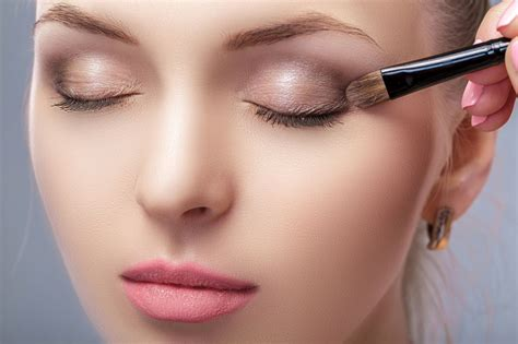 splendid makeup tips  amber eyes