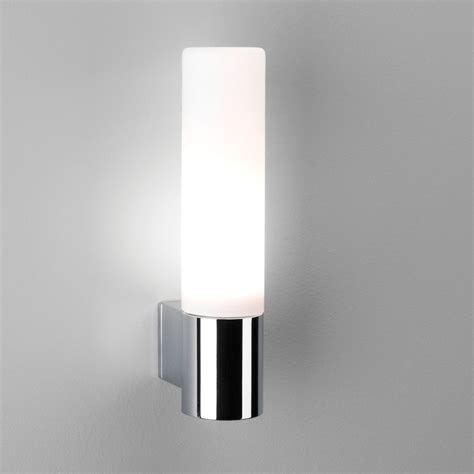 astro 1047001 bari ip44 bathroom wall light in chrome 0340
