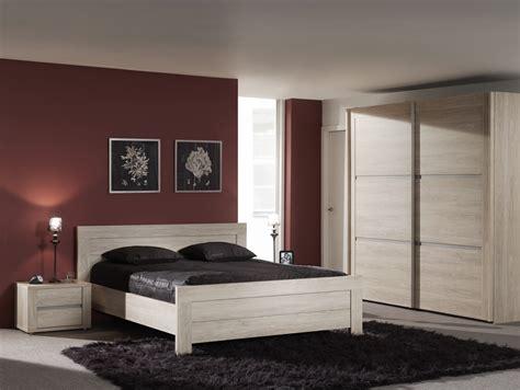 table de chambre chambre adulte mobilier et literie