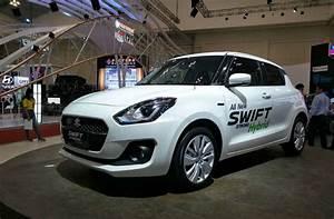 Suzuki Hybride 2018 : all new swift hybrid displayed at giias 2018 with 32 kmpl mileage ~ Medecine-chirurgie-esthetiques.com Avis de Voitures