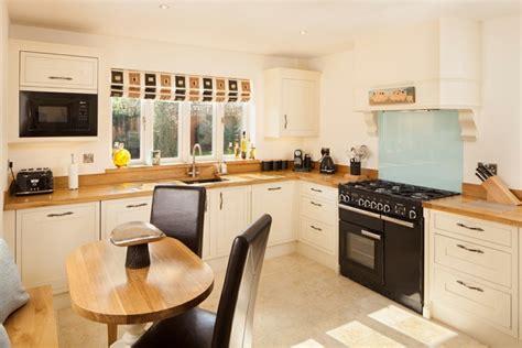 plan de travail cuisine chene pourquoi choisir une cuisine avec plan de travail bois