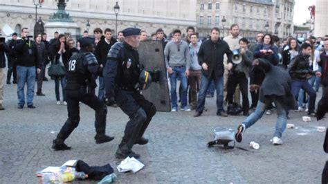 Mariage pour tous : un policier agressé en marge d'une manifestation à Paris