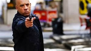 Vin Diesel Fast And Furious 8 : fast and furious 8 movie review vin diesel has his foot on the pedal michelle rodriguez looks ~ Medecine-chirurgie-esthetiques.com Avis de Voitures