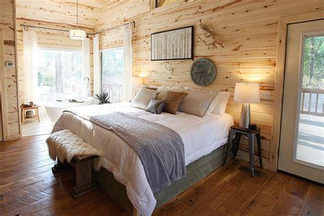 diamond   rough cabin  broken bow  studio