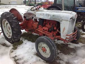 1956 Ford 800 Tractors - Utility  40-100hp