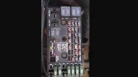 97 Saturn Sc2 Fuse Box by Saturn S Series Fuse Box