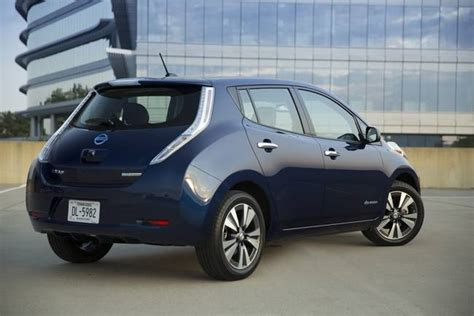 Electric Cars 2016 by Nissan Unveils 2016 Leaf Electric Car With 25 Bigger