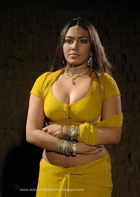 mallu actress hot   saree blouse