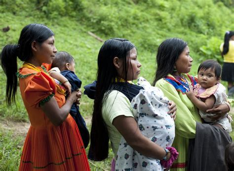 de la mujer en colombia hay algo  celebrar