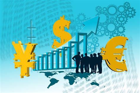 Introduction to Economy: Macroeconomy and Microeconomy ...