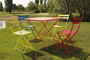 Table Jardin Pliable : stunning table et chaises de jardin couleur ideas awesome interior home satellite ~ Teatrodelosmanantiales.com Idées de Décoration