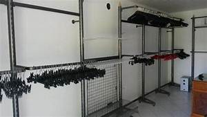 Regale Begehbarer Kleiderschrank : ladeneinrichtung komplett regale rundst nder ladentisch begehbarer kleiderschrank in ~ Frokenaadalensverden.com Haus und Dekorationen