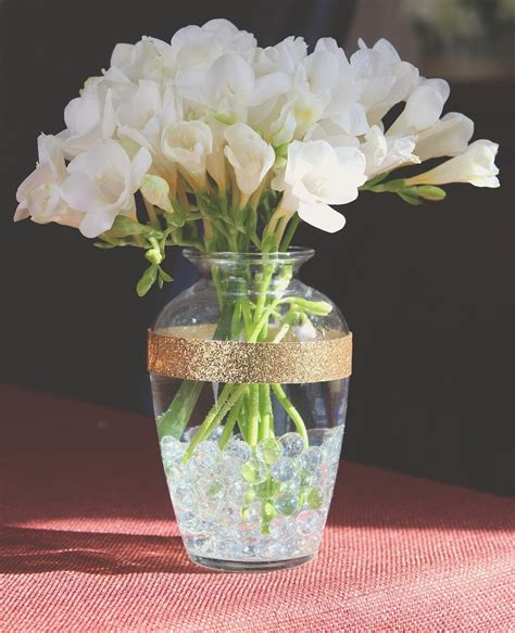 how to decorate vase top 10 diy chic and creative ways to decorate a vase top