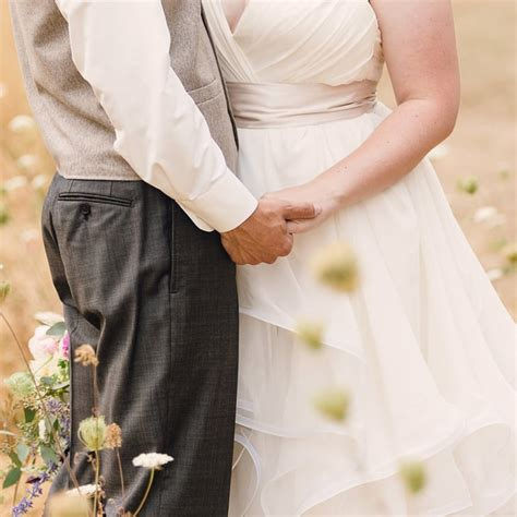 how much to give for wedding cash how much money to give in weddings popsugar smart living