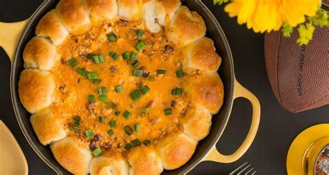 Chili Cheese Bread Wreath Dip Recipe   Delish.com