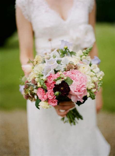 30 stunning spring wedding bouquets weddingsonline